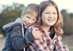 siblings-1997454_1920-2